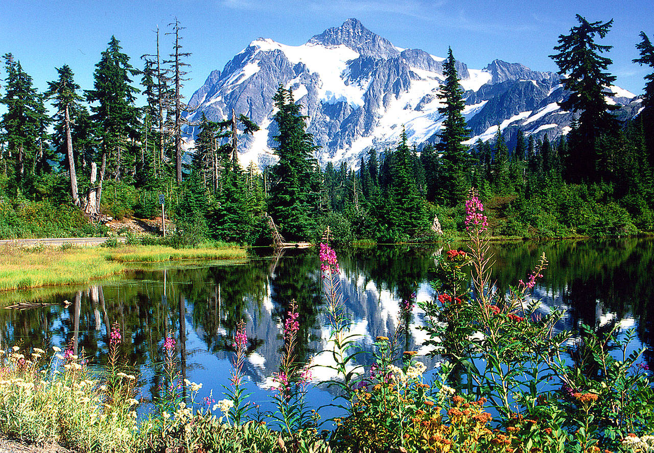 Mount Shuksan and Picture Lake make the perfect pairing. (Bellingham Whatcom County Tourism)