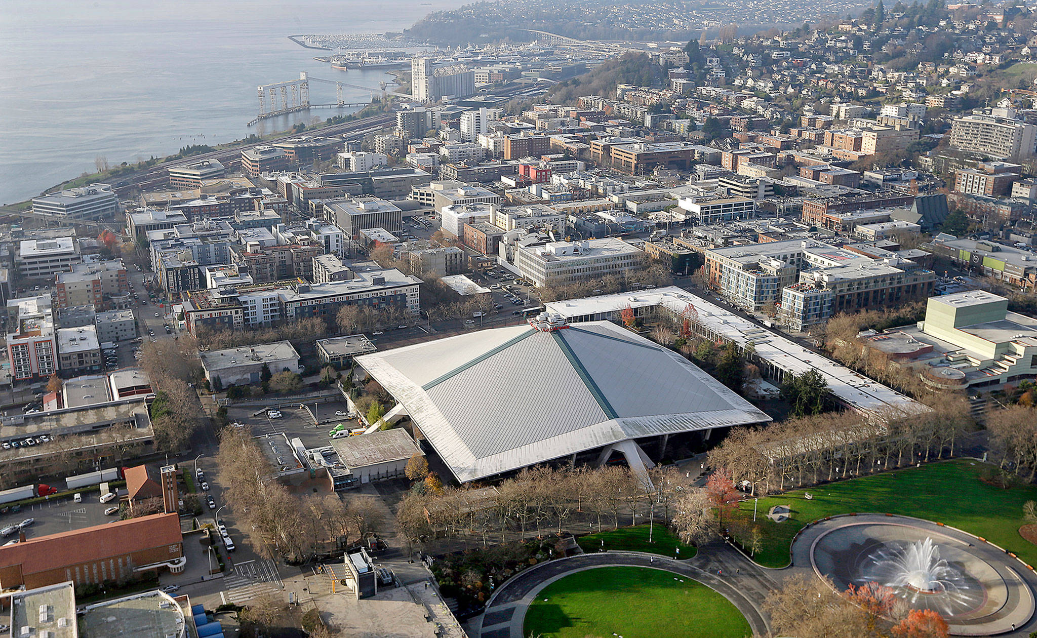 The iconic, sloped roof of KeyArena, the sports and entertainment venue at Seattle Center. (AP Photo/Elaine Thompson)