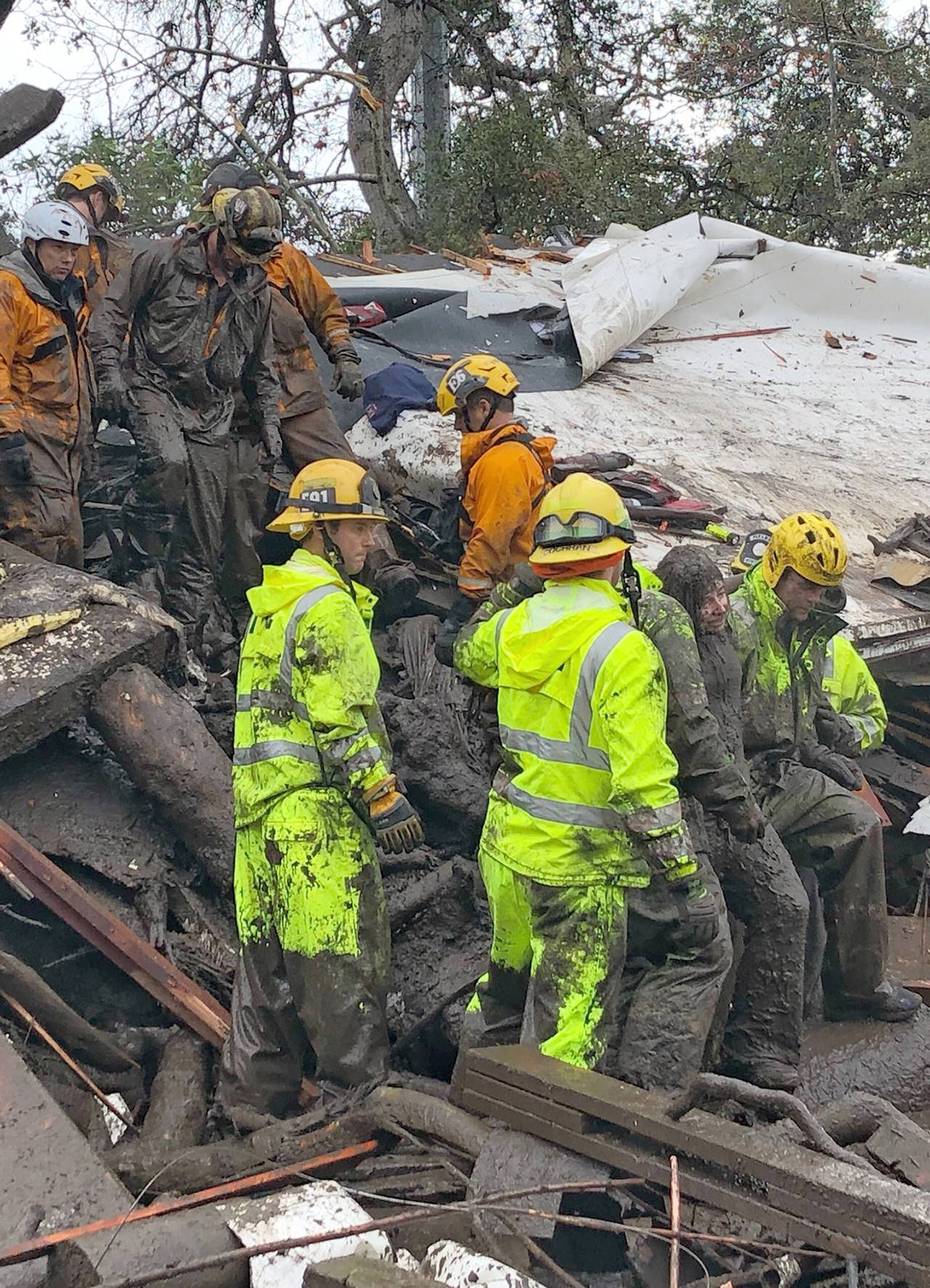 Death toll hits 15 in california mudslides search goes on for Cleaning out house after death