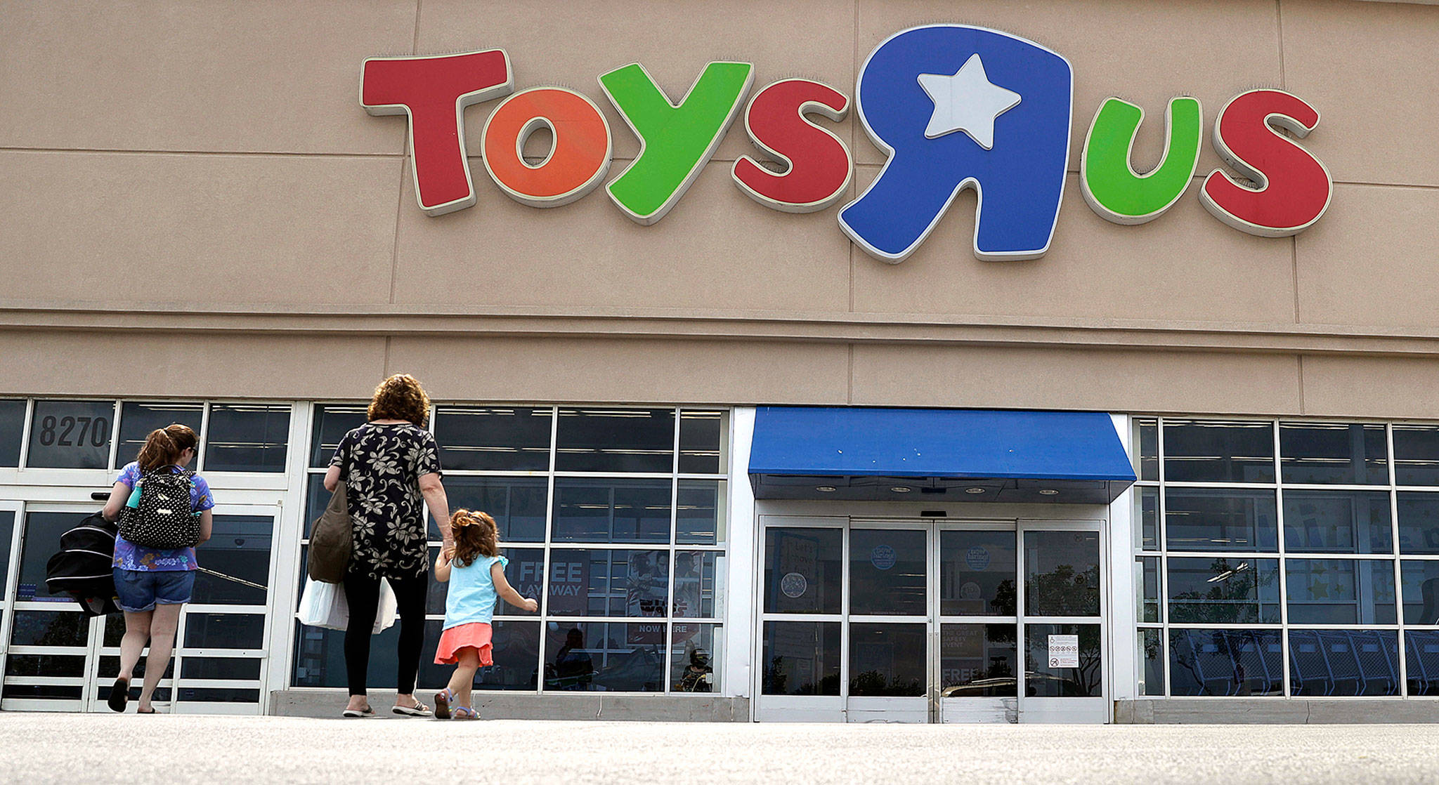 Toys R Us Closing Sign : Toys r us closing stores including the one in everett