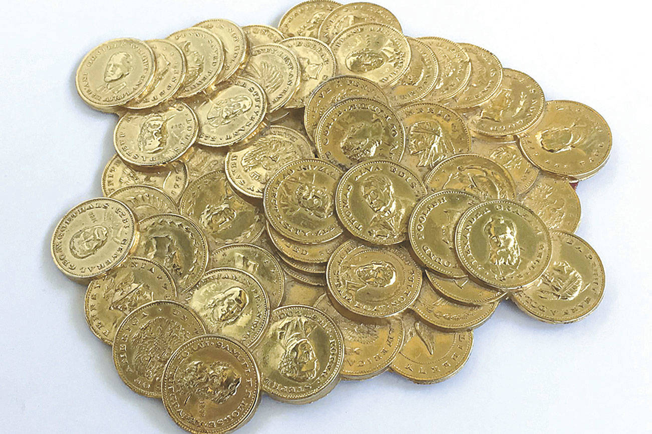 Old paperweight looks like a forgotten mound of gold coins