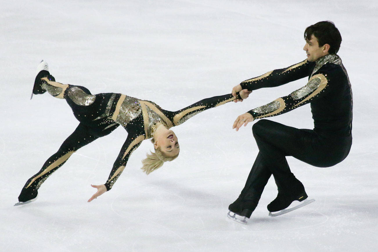 Reigning U.S., world champion charms crowd at Skate America