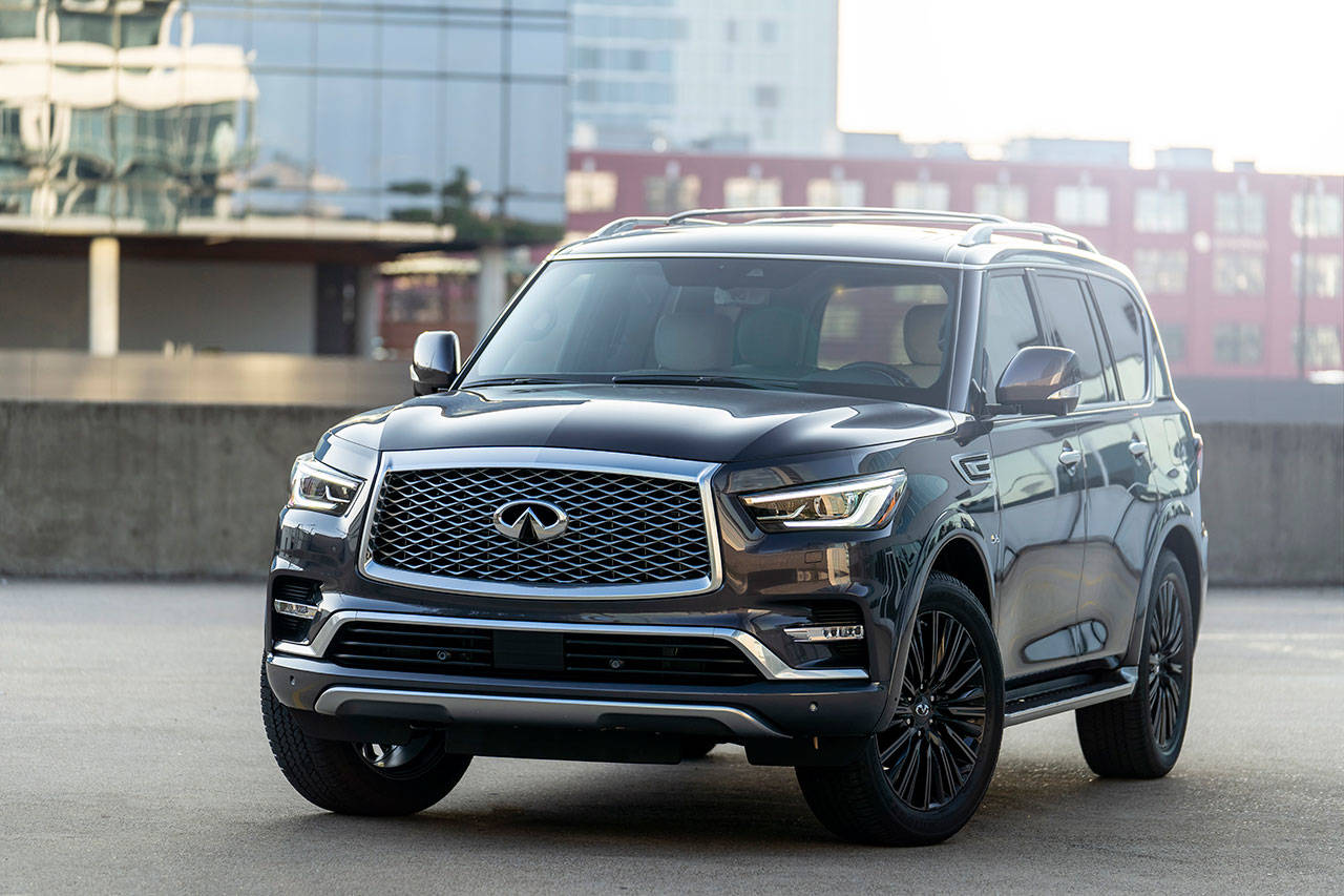Exclusive exterior features of the new 2019 Infiniti QX80 Limited include dark machine-finished 22-inch aluminum-alloy wheels and a unique front bumper treatment. (Manufacturer photo)
