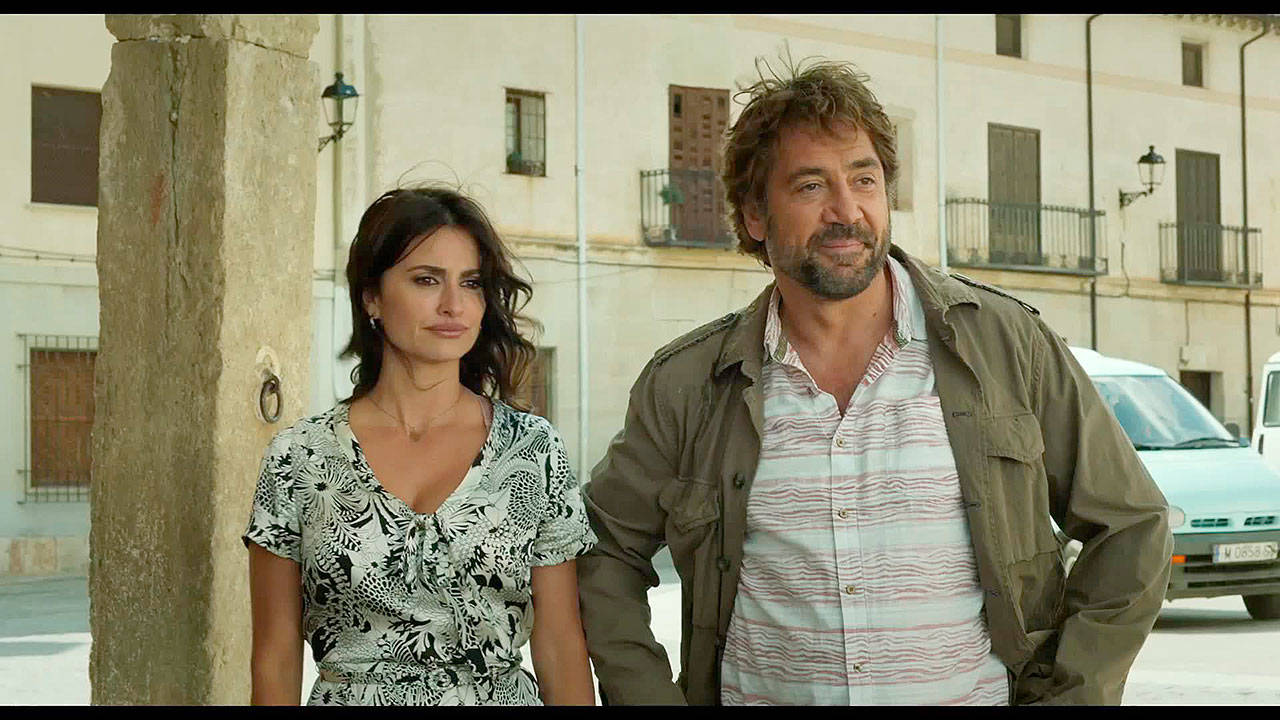 """Real-life married couple Penelope Cruz and Javier Bardem play ex-lovers in in """"Everybody Knows."""" (Focus Features)"""