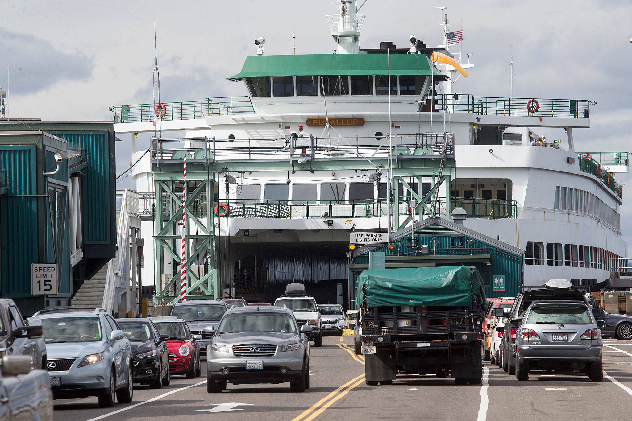 The Edmonds-Kingston and Mukilteo-Clinton ferry routes are expected to be two of the busiest lines this long holiday weekend. (Andy Bronson / Herald file)