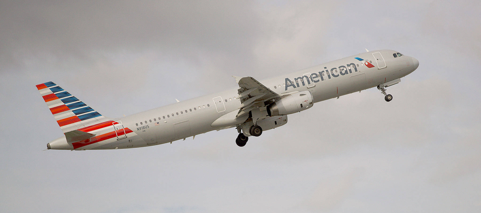 An American Airlines Airbus A321 takes off from Fort Lauderdale–Hollywood International Airport in Fort Lauderdale, Florida. (AP Photo/Wilfredo Lee)