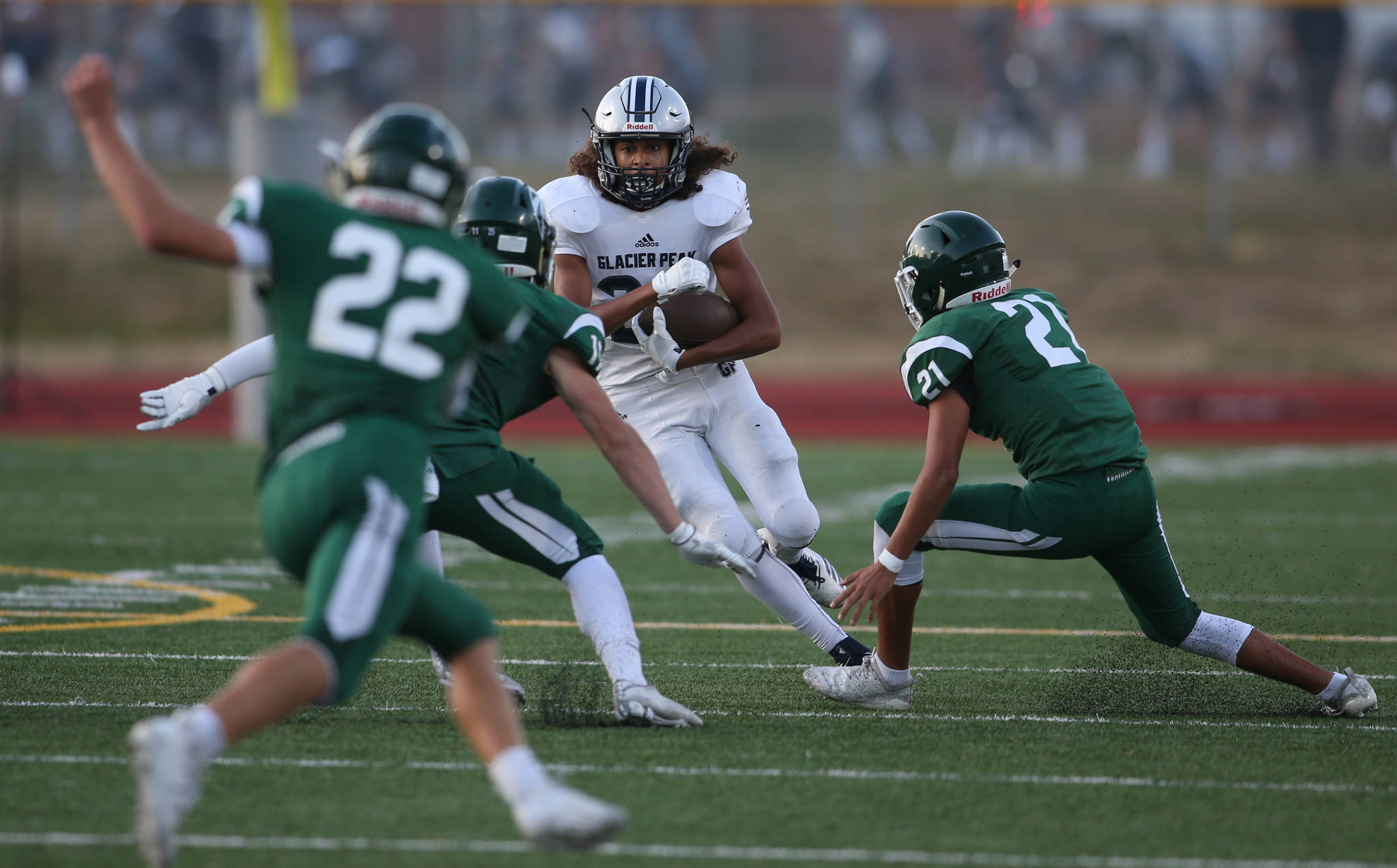 Glacier Peak beat Edmonds-Woodway 35-14, in the season opening football game for both teams, at Edmonds Stadium on Friday, Sept. 6, 2019 in Edmonds, Wash. (Andy Bronson / The Herald)