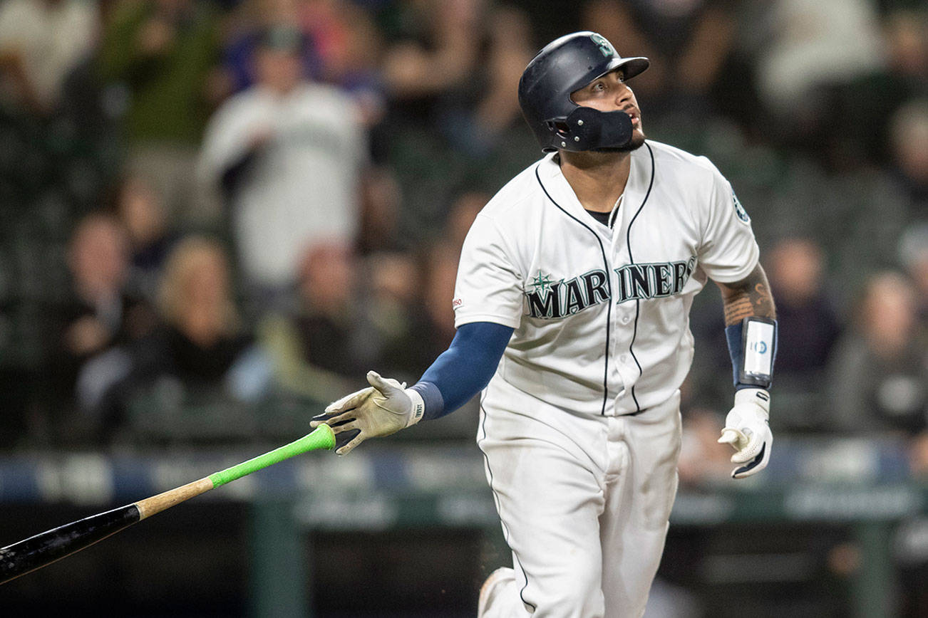 Narvaez hits walk-off HR in 10th, M's beat White Sox