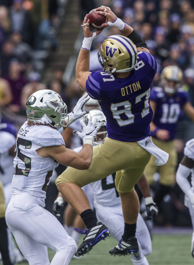 Washington Huskies' Cade Otton makes a catch during the game against Oregon on Saturday, Oct. 19, 2019 in Seattle, Wash. (Olivia Vanni / The Herald)