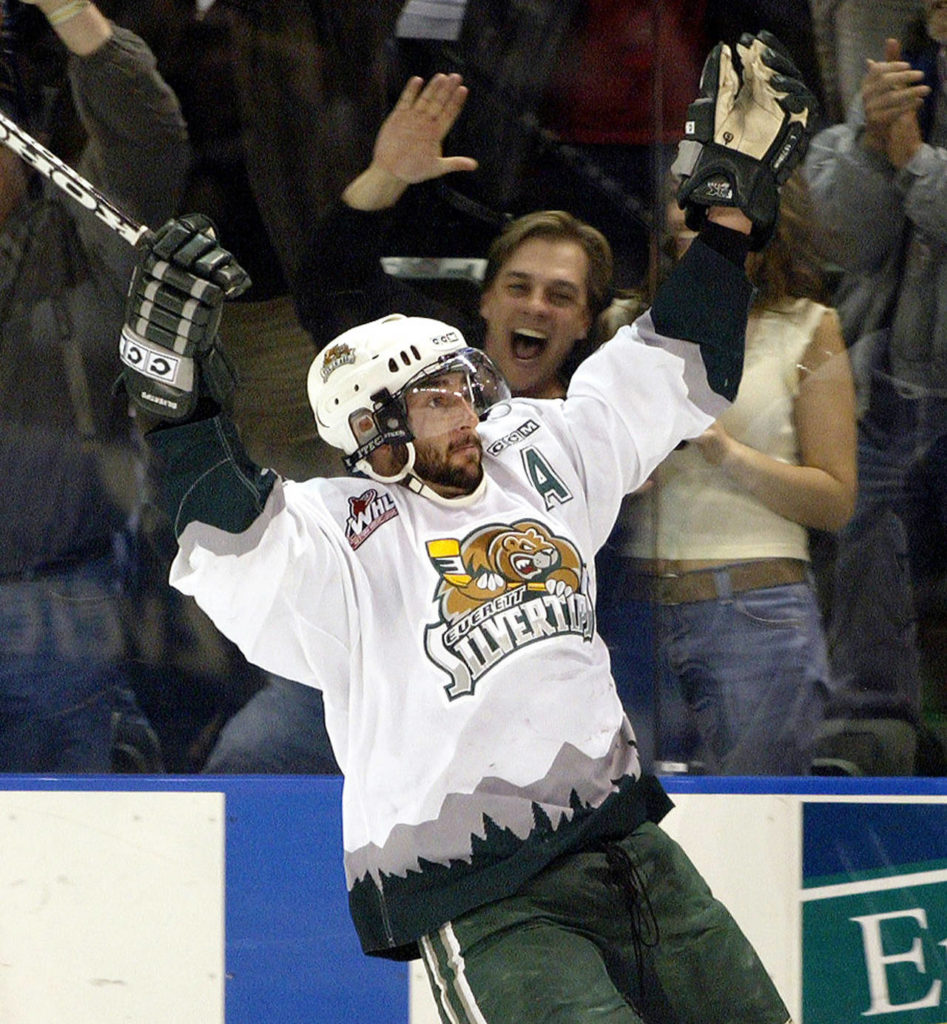 Mitch Love in a 2004 game between the Silvertips and the Giants. (Jennifer Buchanan / Herald file)