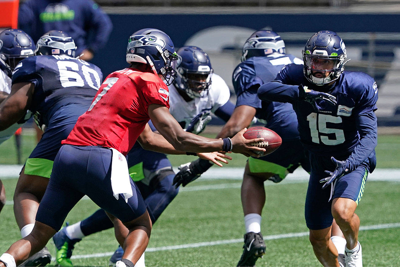 Seahawks' scrimmage halted early after Jackson injury