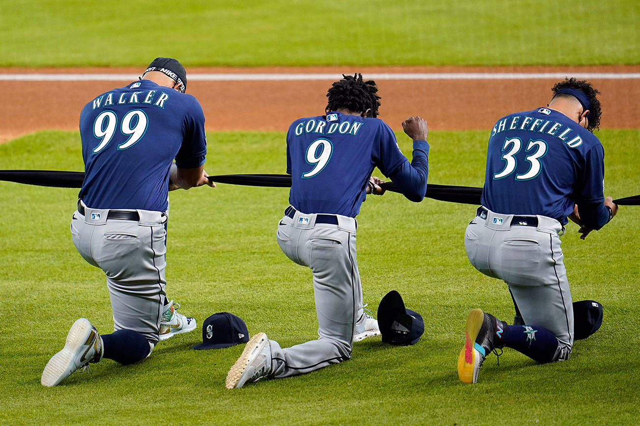M's boycott game against Padres in wake of police shooting