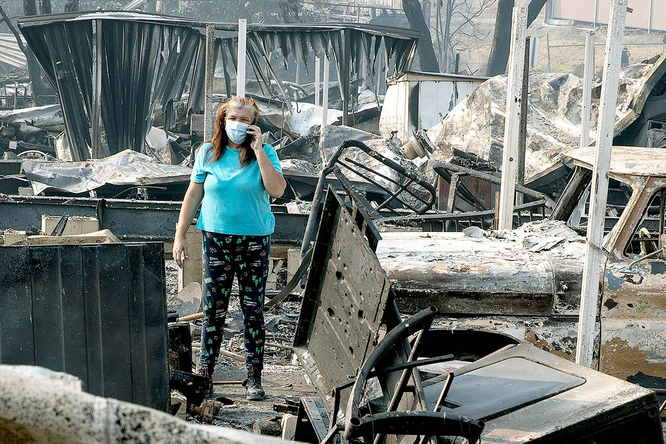 Stunned residents tour Oregon town devastated by wildfires