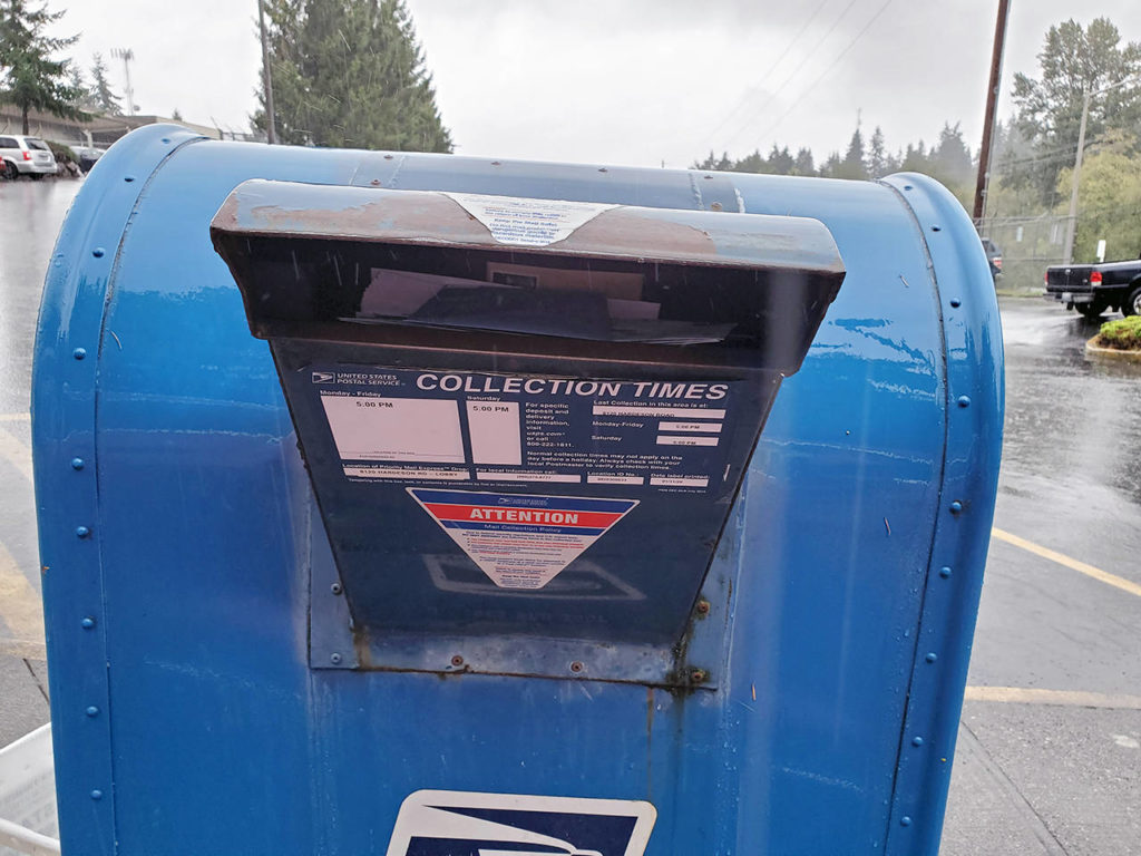 After one collection box was removed, mail was overflowing at the USPS Hub on Hardeson Road last week. (Photo submitted by Sarah Brown)