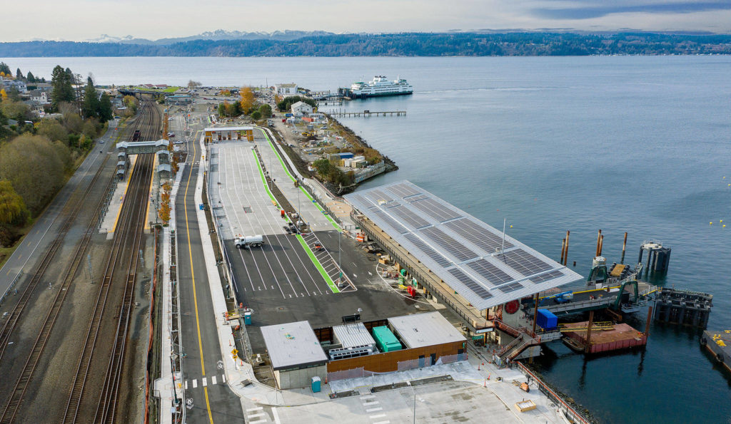 The new Washington State Ferries terminal at Mukilteo (bottom) and the existing one (top). (Chuck Taylor / The Herald)