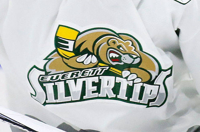 Kevin Clark / The Herald  ***Silvertips Special Sections***** Yan Khomenko signals for substitution Sunday night at Xfinity Arena in Everett, Wa on September 6th, 2015  Sports:  Silvertips Special Section Shot on: 09/06/15